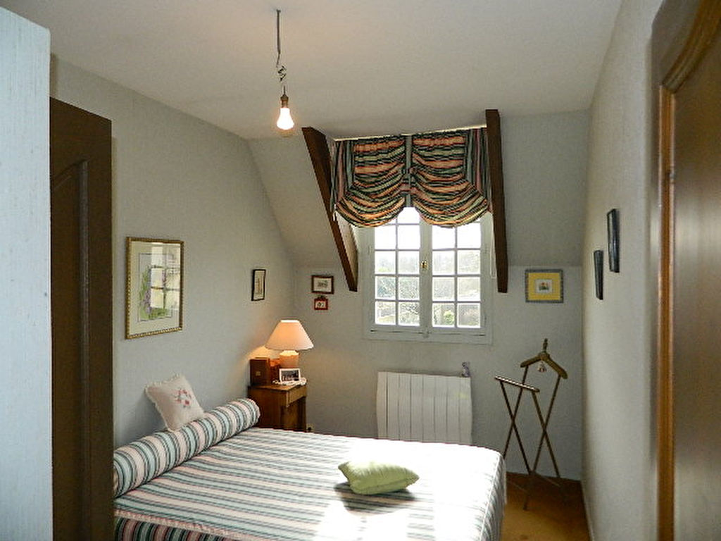 A VENDFRE - MAINTENON - MAISON - 7 PIECES