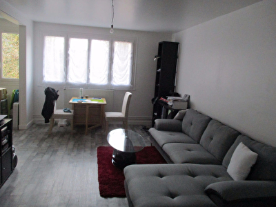 A VENDRE - EPERNON - APPARTEMENT - 4 PIECES - 78 M²