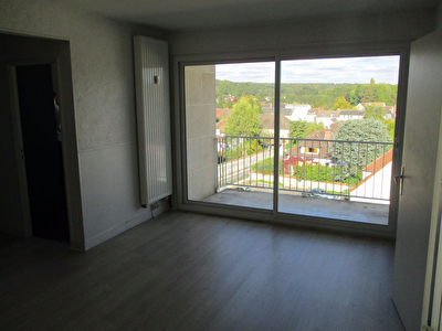 A VENDRE - APPARTEMENT - EPERNON - 3 PIECES