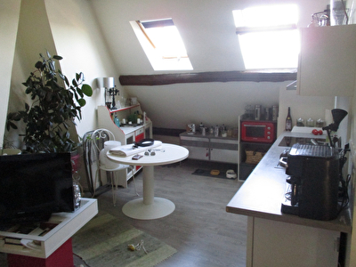 A VENDRE - APPARTEMENT - EPERNON