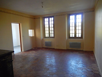 APPARTEMENT F2 - COULOMBS